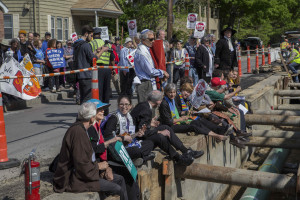 16 religious leaders risk arrest at site of pipeline construction, May 25, 2016 (photo credit: Robert A. Jonas)